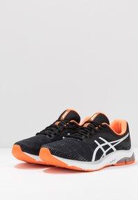ASICS - GEL-PULSE 11 - Neutrální běžecké boty - black/white - 2
