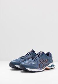 ASICS - GEL-KAYANO 26 - Chaussures de running stables - grand shark/peacoat - 2
