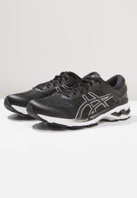 ASICS - GEL-KAYANO 26 - Stabilní běžecké boty - black/white - 2