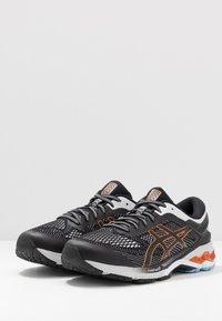 ASICS - GEL-KAYANO 26 - Stabilní běžecké boty - black/polar shade - 2