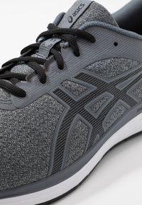 ASICS - PATRIOT 11 TWIST - Neutral running shoes - piedmont grey/black - 5