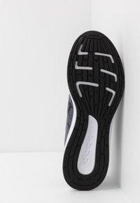 ASICS - PATRIOT 11 TWIST - Neutral running shoes - piedmont grey/black - 4