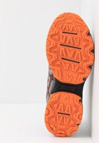 ASICS - GEL-VENTURE 7 - Zapatillas de trail running - carrier grey/habanero - 4