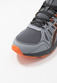 ASICS - GEL-VENTURE 7 - Trail running shoes - carrier grey/habanero - 5