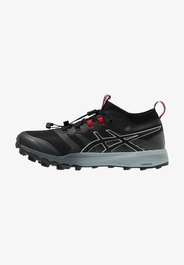 FUJITRABUCO PRO - Běžecké boty do terénu - black