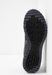 ASICS - ALPINE XT 2 - Chaussures de running - carrier grey/silver - 4