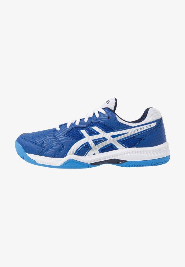GEL-DEDICATE 6 CLAY - Tenisové boty na antuku - blue/white