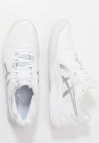 ASICS - GEL RESOLUTION 8 - Multicourt tennis shoes - white/pure silver - 1