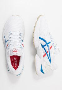 ASICS - GEL-NIMBUS 22 RETRO TOKYO - Zapatillas de running neutras - white/electric blue - 1