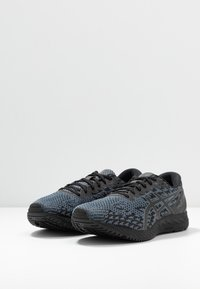 ASICS - GEL DS TRAINER 25 - Competition running shoes - black/metropolis - 2