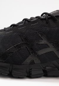 ASICS - GEL-QUANTUM 180 5 - Chaussures de running neutres - black - 5