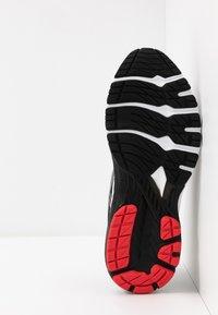 ASICS - GT-2000 8 - Zapatillas de running estables - black/sheet rock - 4
