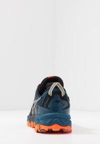 ASICS - GEL-FUJITRABUCO 8 - Zapatillas de trail running - directoire blue/carrier grey - 3