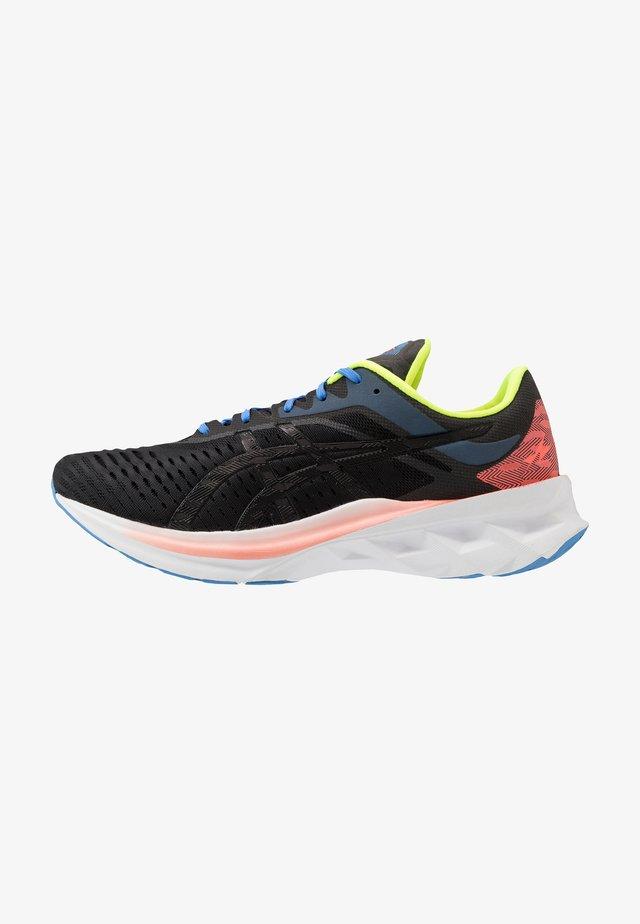 NOVABLAST - Neutrální běžecké boty - black