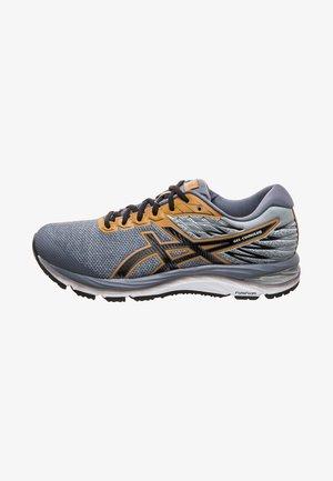 GEL-CUMULUS - Neutral running shoes - stone grey/black