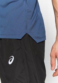 ASICS - SINGLET - Camiseta de deporte - grand shark - 5