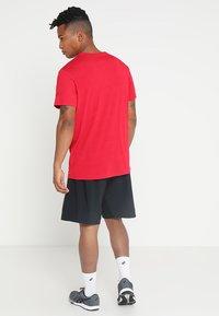 ASICS - Camiseta estampada - samba - 2