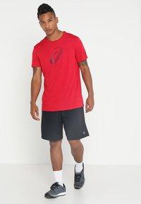 ASICS - Camiseta estampada - samba - 1