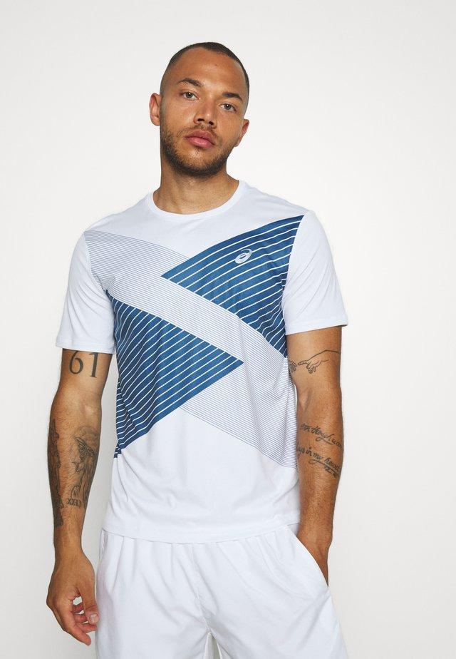 TOKYO - T-shirt z nadrukiem - brilliant white/grand shark