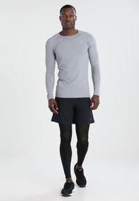 ASICS - BASELAYER LONG  - Leggings - performance black - 1