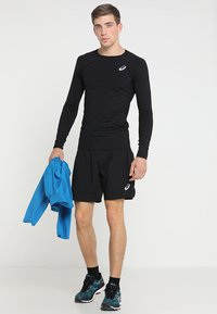 ASICS - SILVER SHORT - Urheilushortsit - performance black - 1