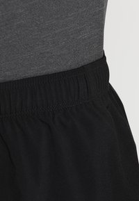 ASICS - SILVER SPLIT SHORT - Sports shorts - performance black - 3