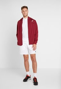ASICS - CLUB SHORTS - Träningsshorts - brilliant white