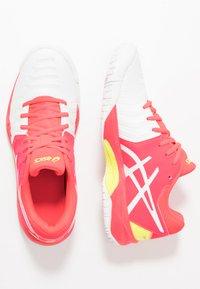 ASICS - GEL-RESOLUTION 7 - Tenisové boty na všechny povrchy - white/laser pink - 0