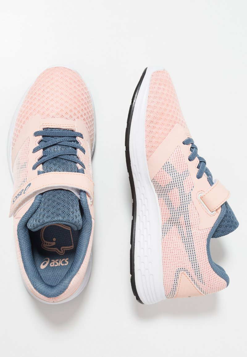 ASICS - PATRIOT 10 - Chaussures de running neutres - bakedpink/steel blue