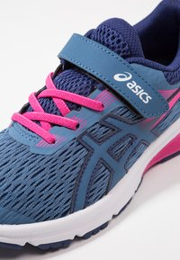 ASICS - GT-1000 7 - Neutral running shoes - azure/fuchsia/purple - 2
