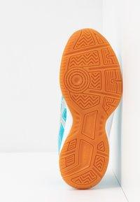 ASICS - UPCOURT 3 - Multicourt tennis shoes - aquarium/pure silver - 5