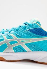 ASICS - UPCOURT 3 - Multicourt tennis shoes - aquarium/pure silver - 2