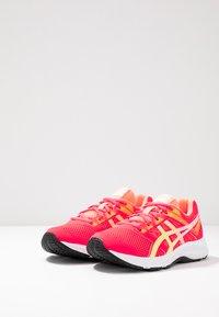 ASICS - CONTEND 5 - Chaussures de running neutres - laser pink/sour yuzu - 2