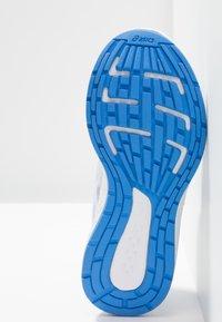 ASICS - PATRIOT 10 - Neutral running shoes - mist/white - 5