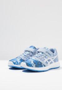ASICS - PATRIOT 10 - Neutral running shoes - mist/white - 3