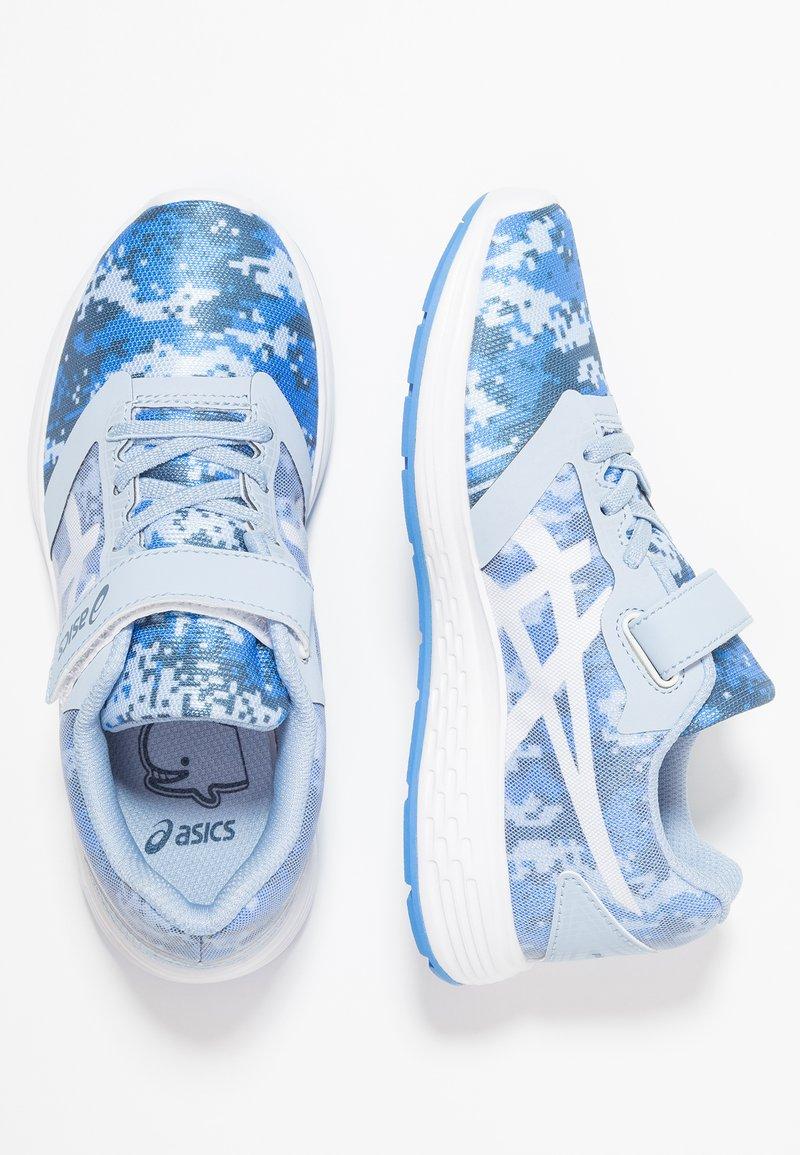 ASICS - PATRIOT 10 - Chaussures de running neutres - mist/white