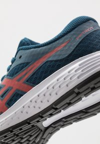 ASICS - PATRIOT 11 - Neutral running shoes - mako blue/classic red - 2