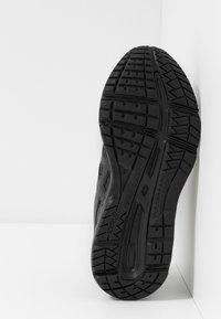 ASICS - CONTEND 5 - Neutrální běžecké boty - black/graphite grey - 5