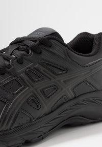 ASICS - CONTEND 5 - Neutrální běžecké boty - black/graphite grey - 2