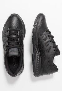 ASICS - CONTEND 5 - Neutrální běžecké boty - black/graphite grey - 0