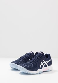 ASICS - GEL-RESOLUTION 8 - Multicourt tennis shoes - peacoat/candy - 3