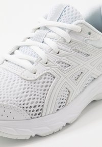 ASICS - CONTEND 6 - Neutral running shoes - white
