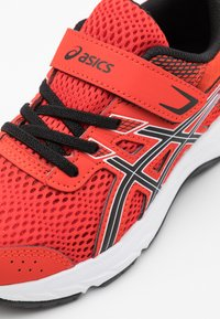 ASICS - CONTEND 6 - Zapatillas de running neutras - fiery red/black - 5