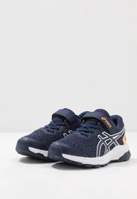ASICS - GT-1000 9 - Stabilní běžecké boty - peacoat/white - 3