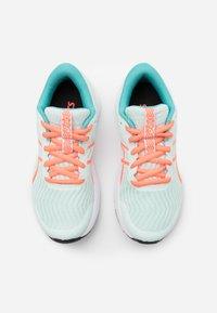 ASICS - PATRIOT 12 - Zapatillas de running neutras - bio mint/sunrise red - 3