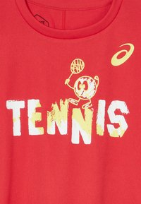 ASICS - TENNIS GRAPHIC  - Sports shirt - classic red - 3
