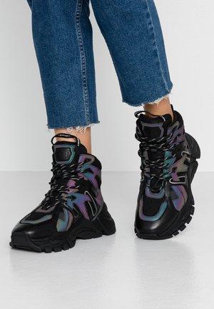 FICTION - Sneakers hoog - rainbow