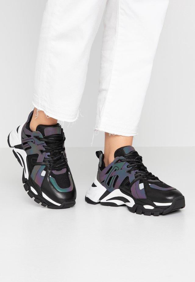 FLASH  - Sneaker low - black/rainbow/ black silver