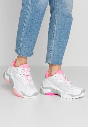 Baskets basses - white/deep pink