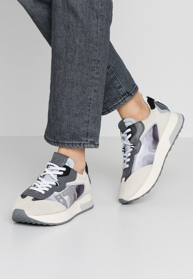Baskets basses - salt/grey